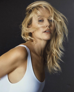 Andrea Susan Bush, Barbizon of Illinois alum, signed with it Model Management