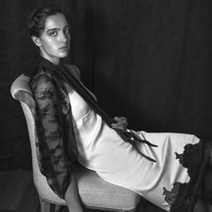 Barbizon Chique grad Liz signed with BMG Models