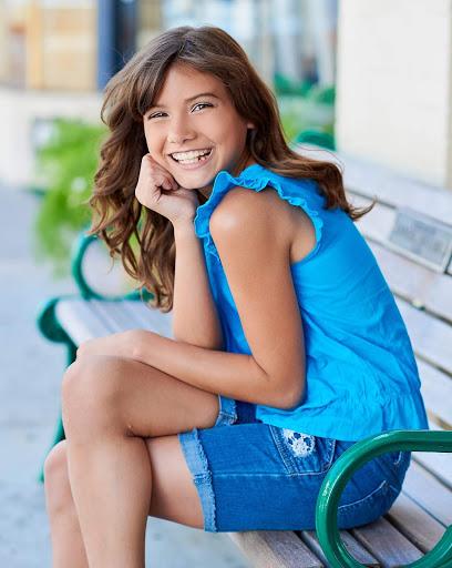 Barbizon Model Alum Francesca Sadek 1