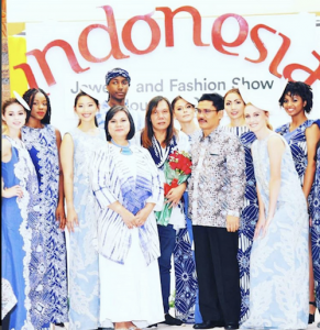 Seven Barbizon USA models walked for the Consulate General of Indonesia Houston in the Indonesia Jewelry and Fashion Show4